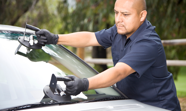 Four Things to Consider when Considering an Auto Glass Repair – Auto  Stimulus Plan